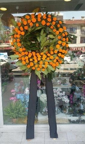 Cenaze çiçeği cenaze çelengi çiçek modeli  İzmit cicekciler , cicek siparisi