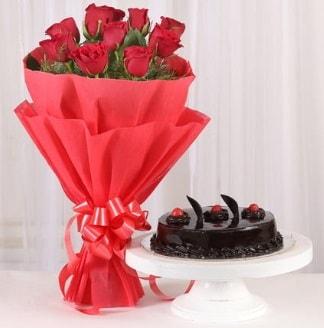 10 Adet kırmızı gül ve 4 kişilik yaş pasta  İzmit kaliteli taze ve ucuz çiçekler