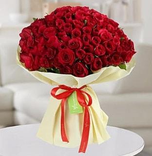 101 adet kırmızı gül buketi koca demet  İzmit yurtiçi ve yurtdışı çiçek siparişi