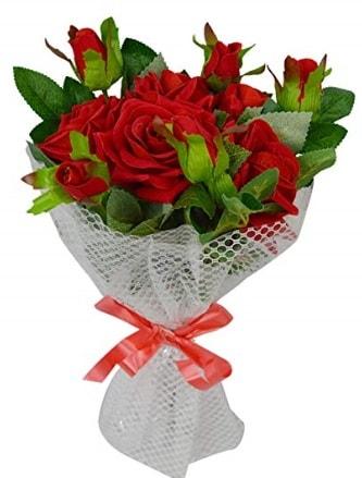9 adet kırmızı gülden sade şık buket  İzmit uluslararası çiçek gönderme